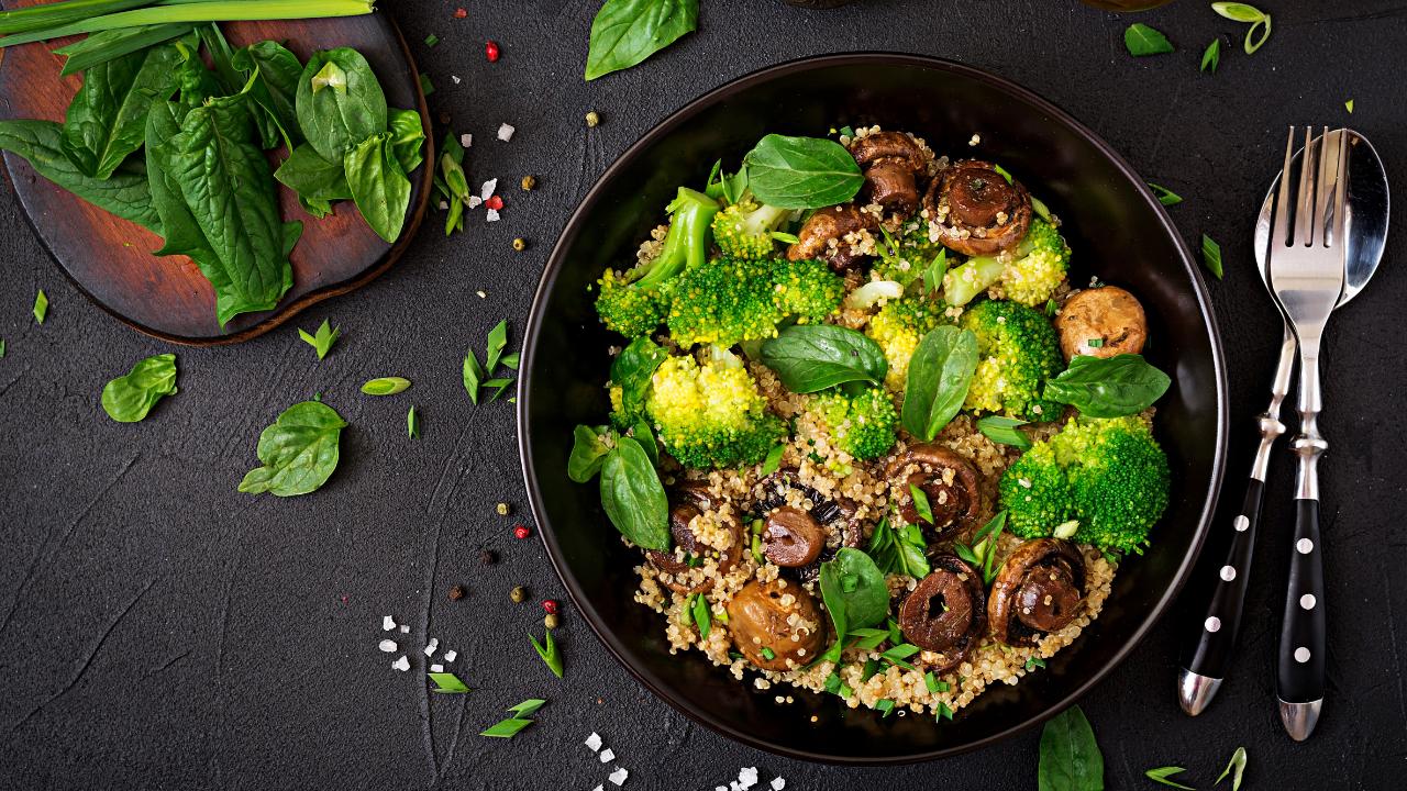 Balancea tu cena de Navidad con estas 3 ensaladas saludables (4)