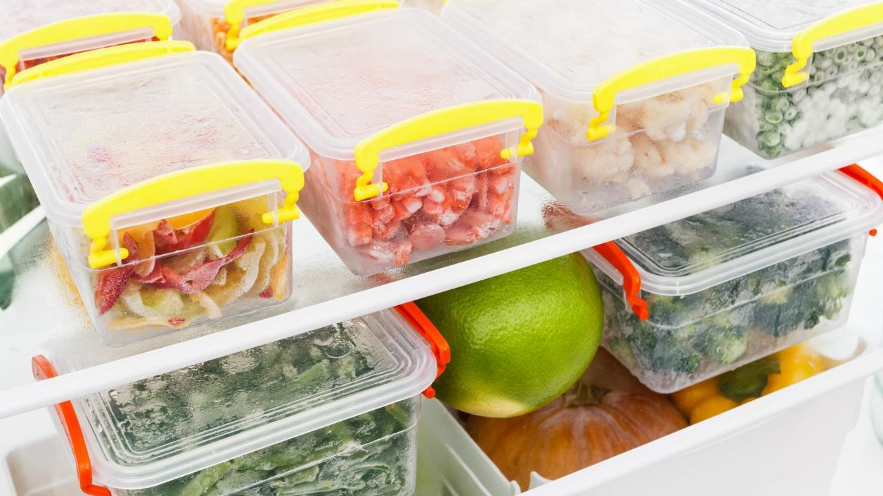 comida dentro del refrigerador