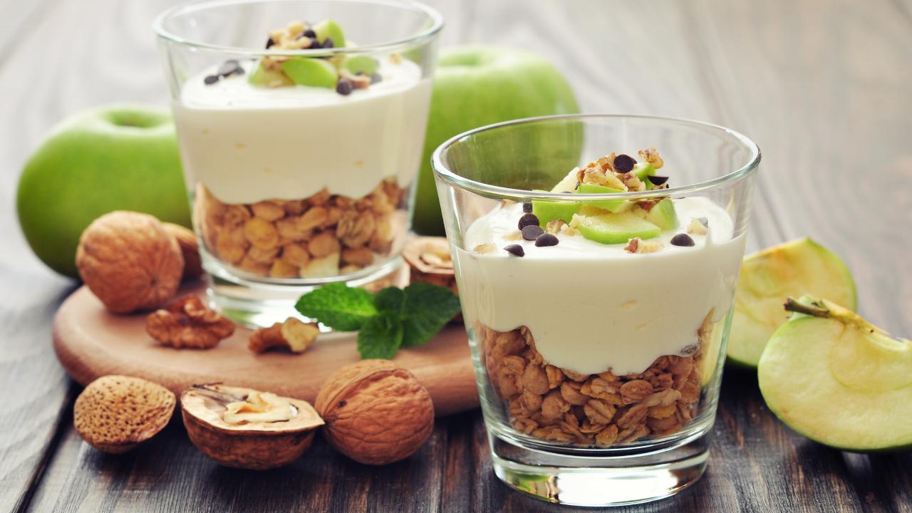 cereales yogurt manzana frutos secos