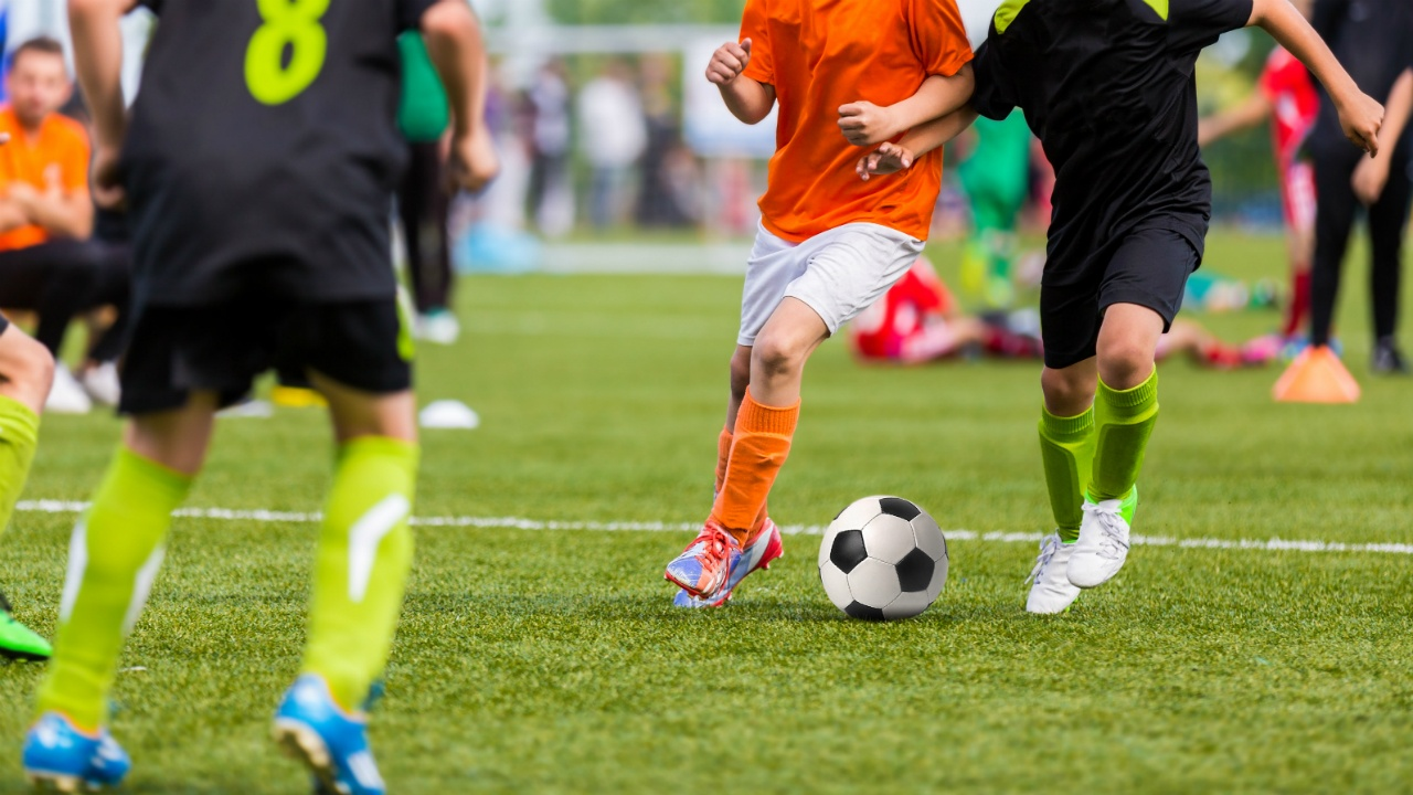 5-deportes-al-aire-libre-que-mejorarn-tu-salud 394428136