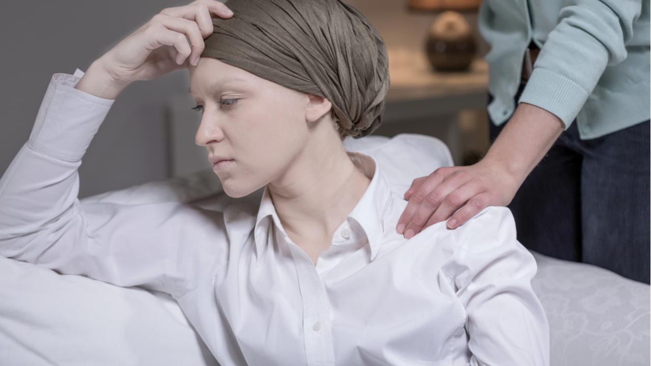 mujer con cancer en su ultima etapa