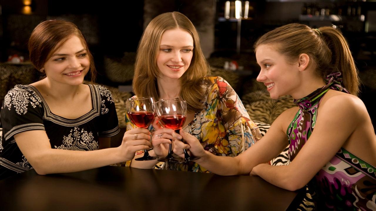 alcohol-y-tabaco-enemigos-sociales-del-cancer-de-mama