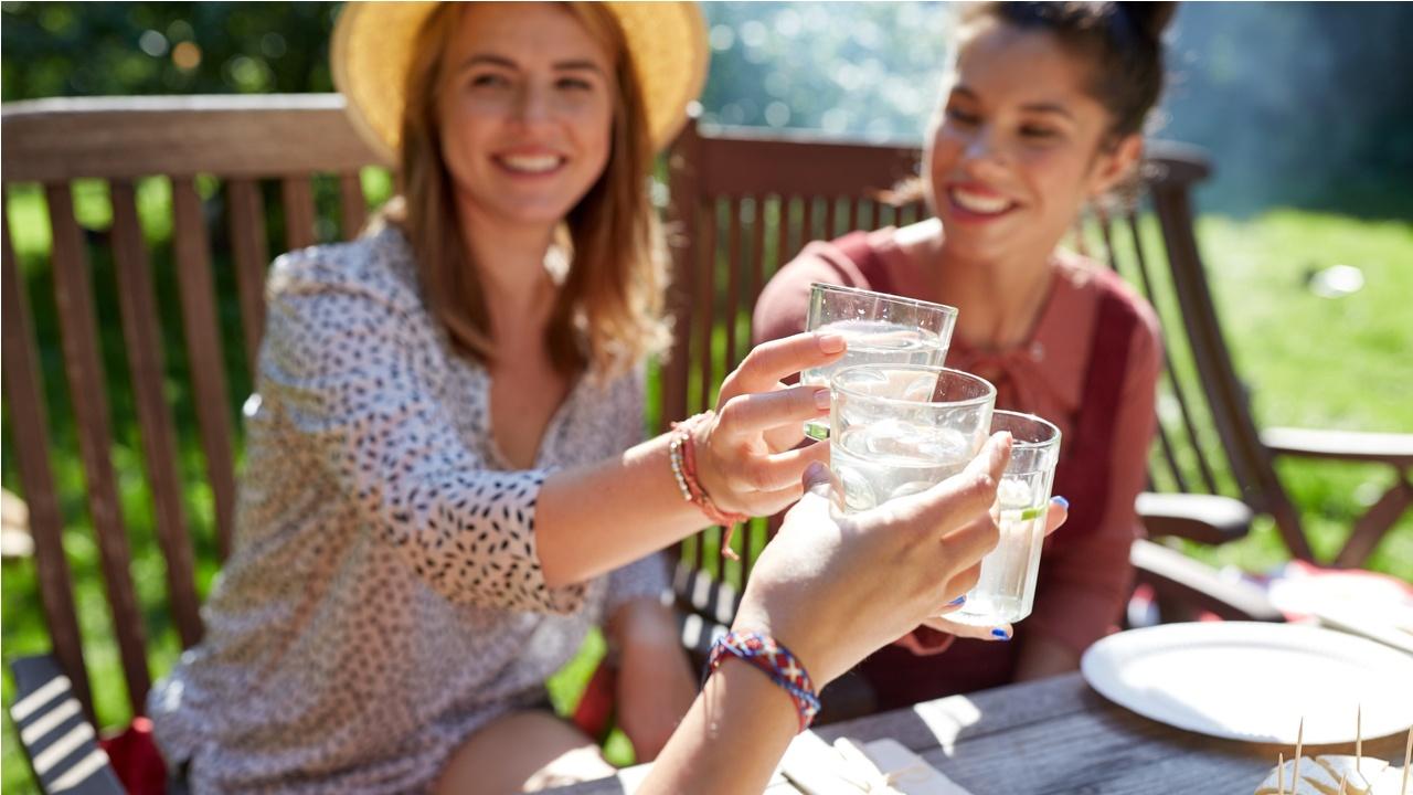 beber-mucha-agua-es-saludable-para-la-familia