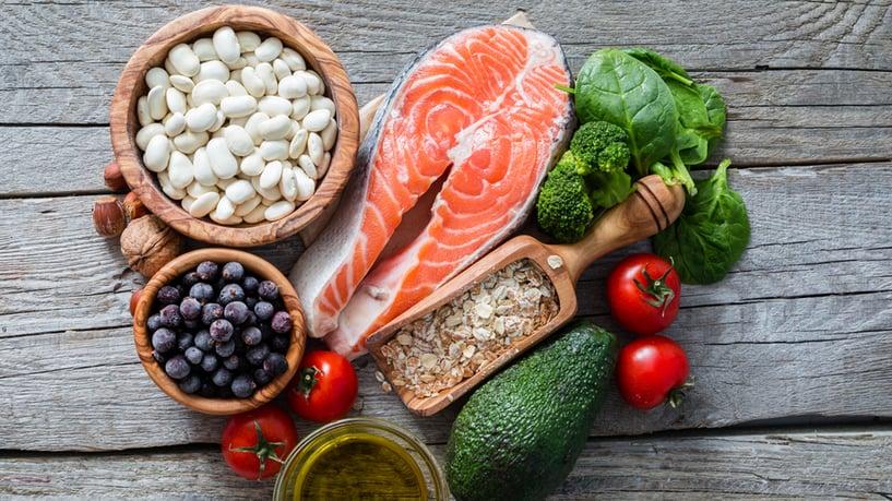 pescado azul: dieta para bajar el colesterol malo