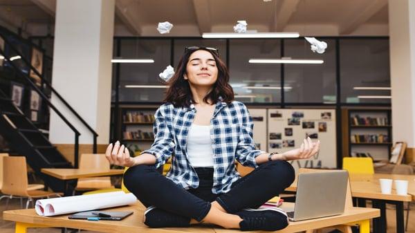 hacer-meditacion-ayuda-a-dejar-el-tabaco