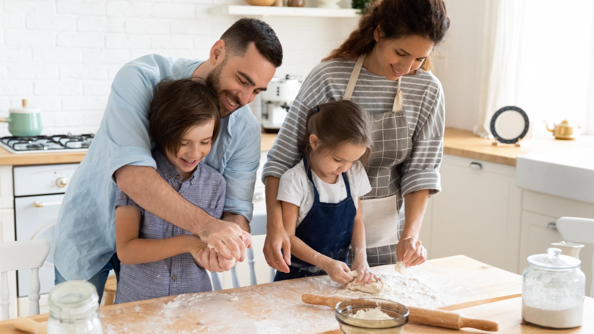 cocinando en familia