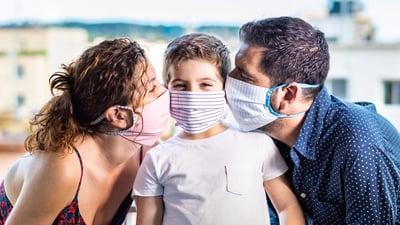 Niños sanos frente al Covid-19: Cómo dar un paseo seguro