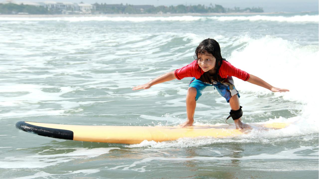 ninos-surfeando-mejora-su-circulacion