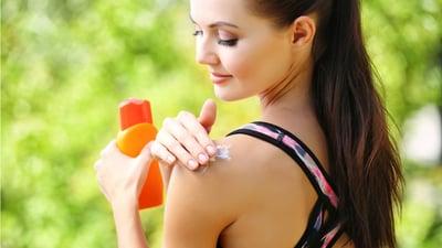 El protector y bloqueador solar: Aliados contra el cáncer de piel