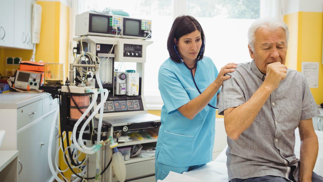 tratamiento-del-cancer-pulmonar-por-etapas