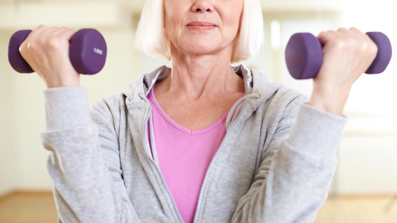 4 actividades físicas para hacer durante el tratamiento contra el cáncer de mama