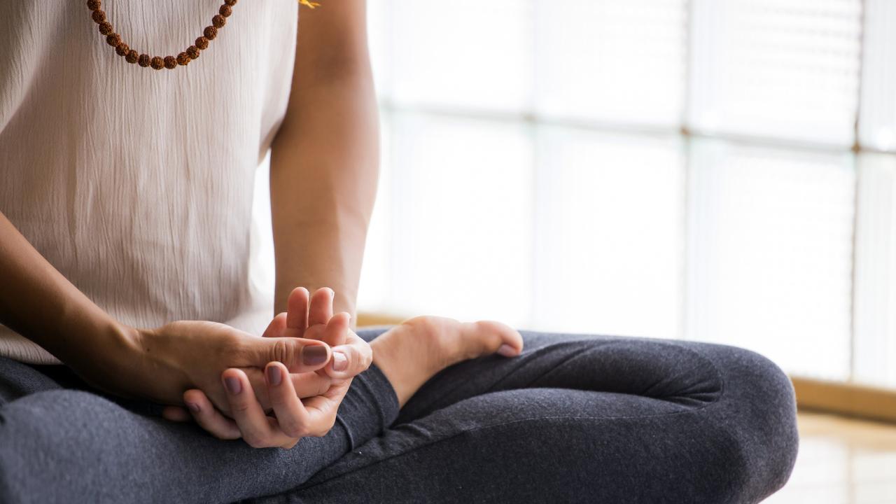 6 maneras de reducir el estrés por medio de la meditación