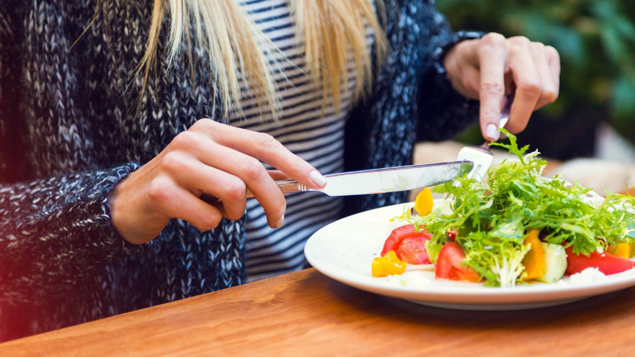 6 recomendaciones para comer sano fuera de casa