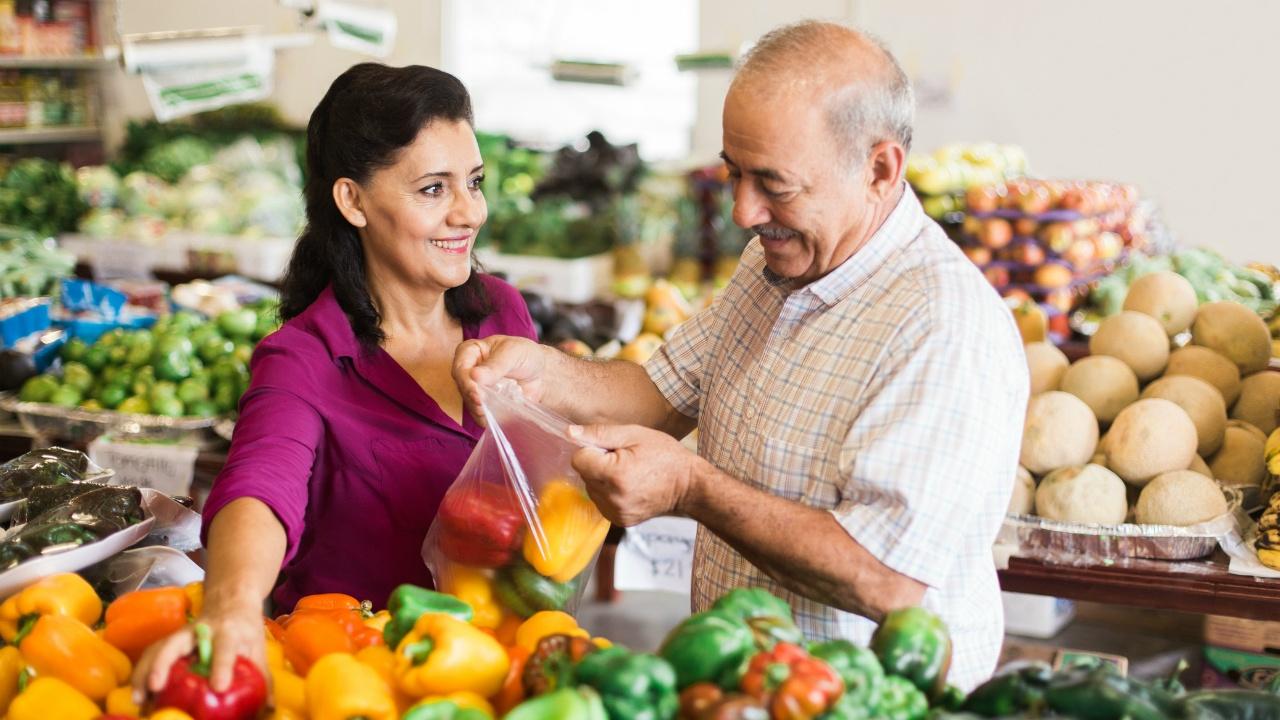 Más vida, con mejores hábitos: cambios en la dieta de los adultos mayores