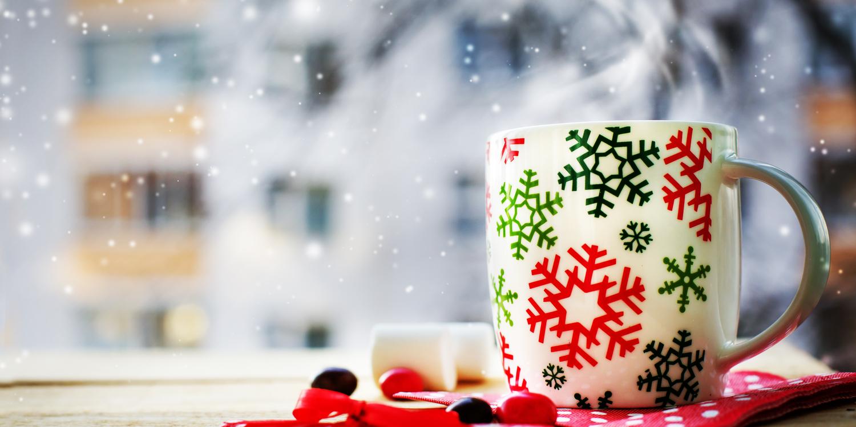 Cuatro bebidas saludables que puedes incluir en tu cena de Navidad