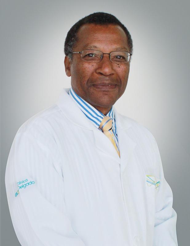 Dr. Alfredo Aguilar Cartagena