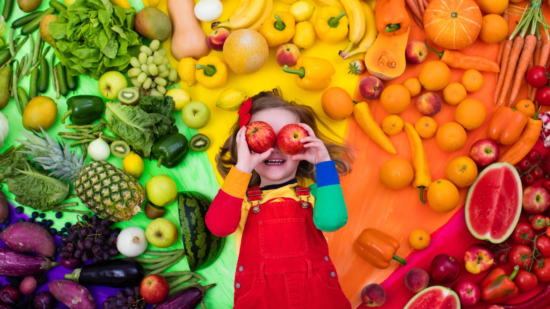 Consejos sobre alimentación saludable para niños en casa