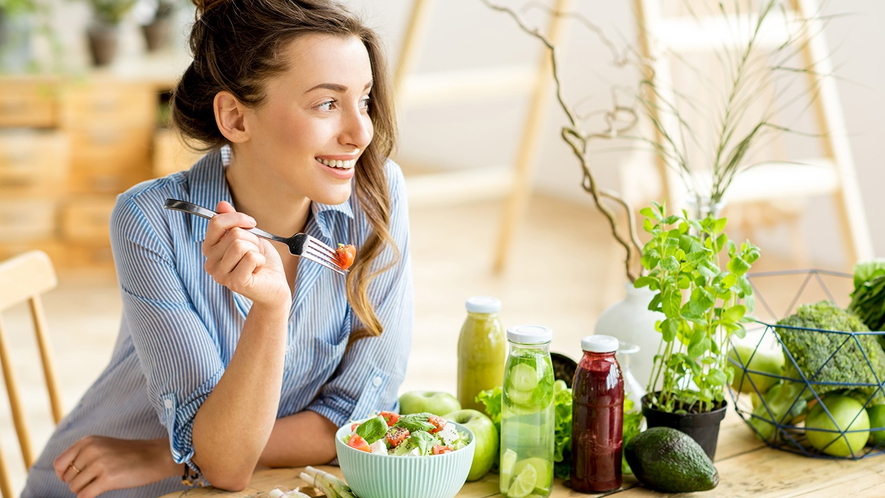 Combate el calor con estos 6 alimentos saludables