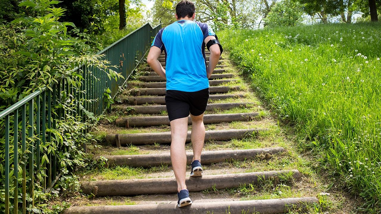 Usa las escaleras en vez del ascensor y haz un cambio en tu salud