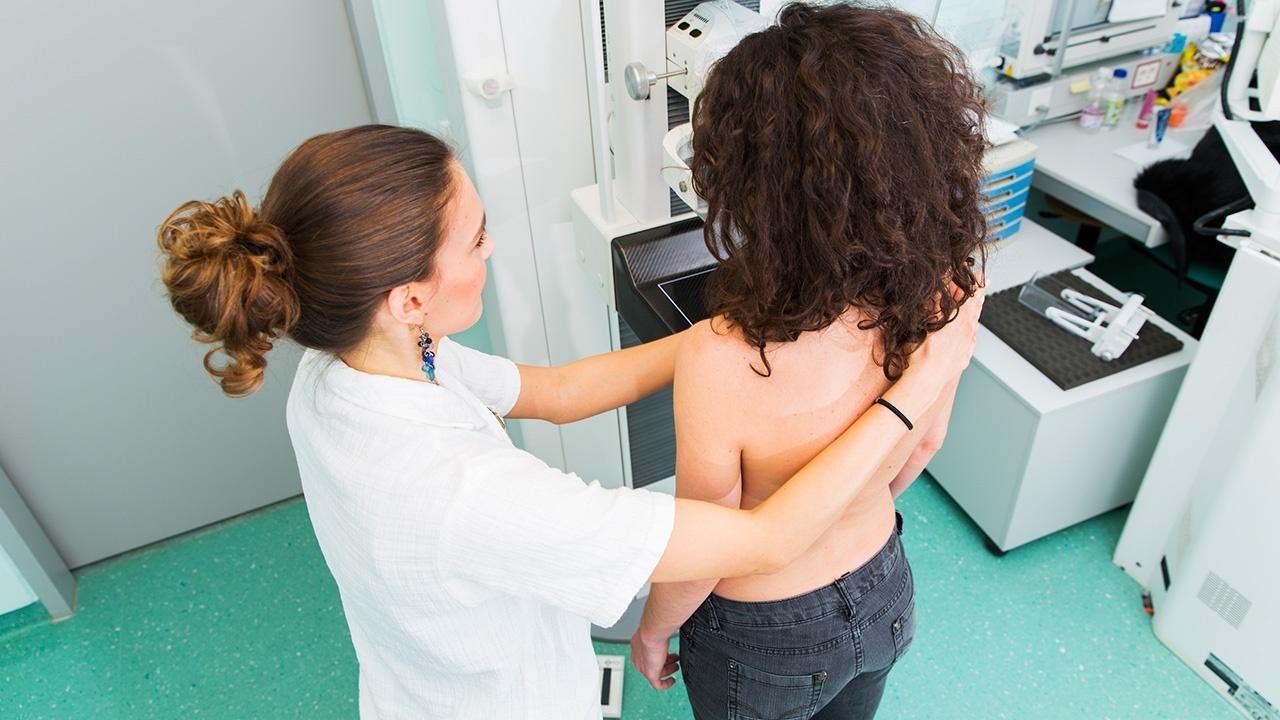 cancer-de-mama-tratamiento.jpg