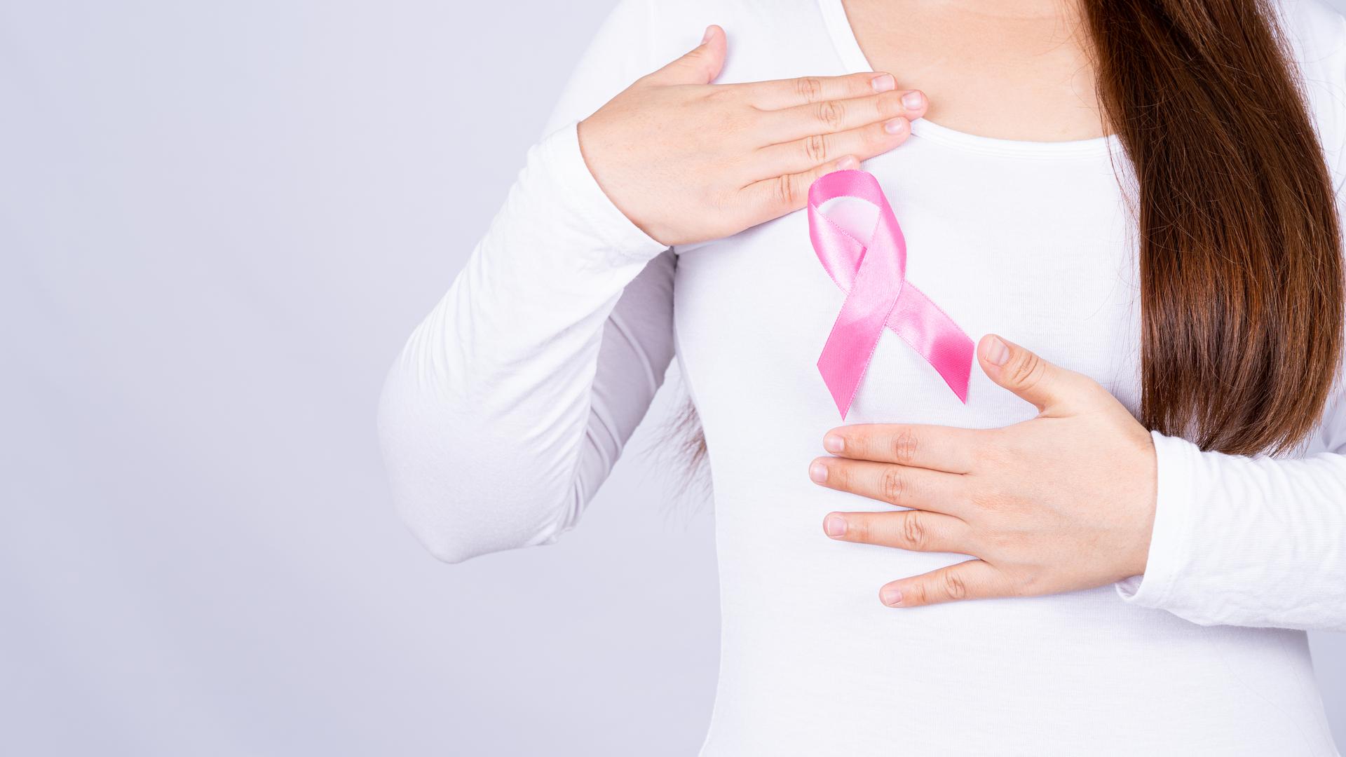 Cómo se realiza un autoexamen de mamas paso a paso