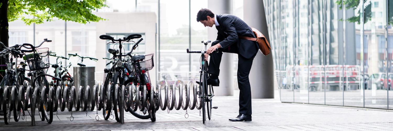 ¿Cuáles son los beneficios de ir a la oficina en bicicleta?